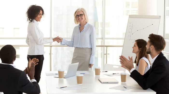 So schaffst du es, dein Unternehmen noch erfolgreicher zu machen. © Shutterstock, fizkes