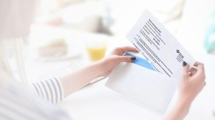 Jeder Arbeitgeber muss die zuständige Berufsgenossenschaft in einen BuS Nachweisbogen über die vorhandene Arbeitsschutzbetreuung informieren.
