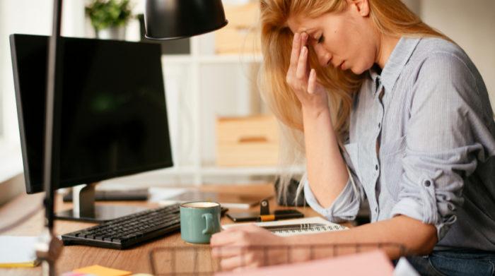 Rund 20 Prozent aller Mitarbeiter bekommen einmal im Leben eine Depression. Fallen dann Mitarbeiter lange aus, können für Unternehmen gewaltige Kosten entstehen.