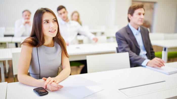 Wer als Fachkraft für Arbeitssicherheit Verantwortung übernimmt, muss gewisse Voraussetzungen erfüllen. Die Aufgaben und die Stellung im Betrieb erfordern eine hohe persönliche und fachliche Kompetenz sowie eine fundierte Aus- und Fortbildung.