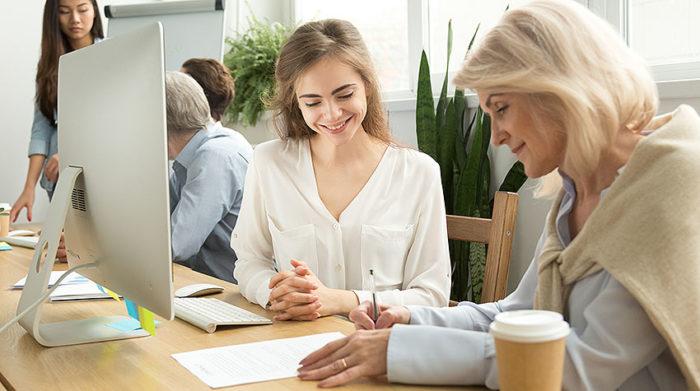 In Deutschland erfolgt die Berufsausbildung im dualen System, wobei die Berufsschule die Funktion als wesentlicher Kooperationspartner in der betrieblichen Ausbildung darstellt.