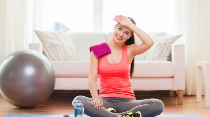 Von zuhause aus zu trainieren hat viele Vorteile. © Shutterstock, Syda Productions