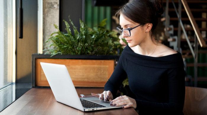 Die Gesundheit deiner Mitarbeiter darf in keinem Fall aufgrund ihrer Tätigkeit im Unternehmen gefährdet sein. © Shutterstock, Savanevich Viktar