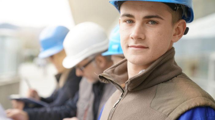 Wenn du Azubis unter 18 beschäftigst, greift das Jugendarbeitsschutzgesetz. © Shutterstock, goodluz