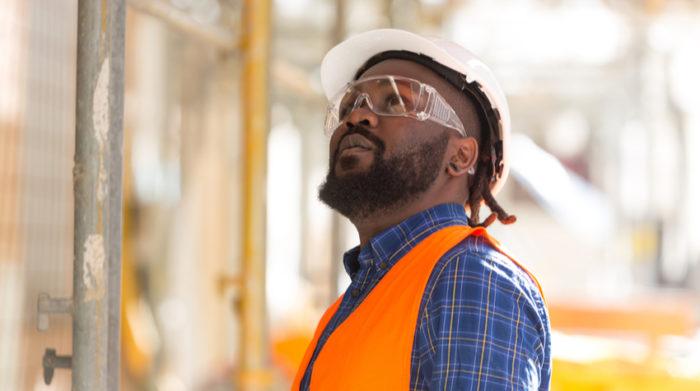 Je nach Branche greifen verschiedene Verordnungen zum Arbeitsschutz, die auf dem Arbeitsschutzgesetz basieren. © Shutterstock, Cineberg