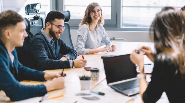 Stichwort Arbeitsschutz: Der Betriebsrat übernimmt wichtige Aufgaben im Unternehmen. © Shutterstock, GaudiLab