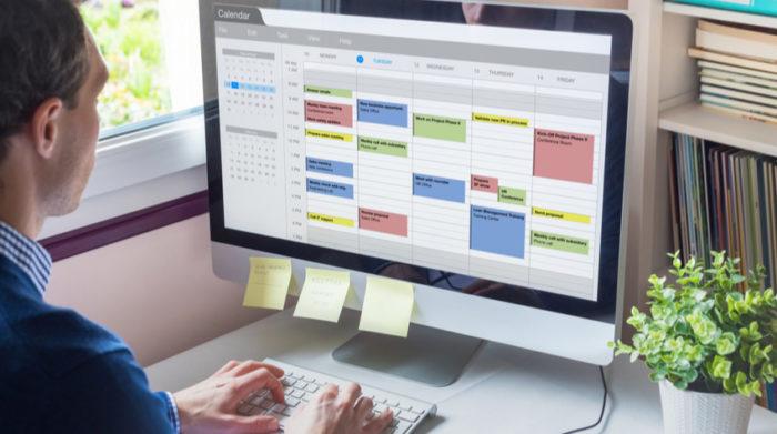 Eine durchdachte Tagesplanung sorgt für Struktur im Home-Office. © Shutterstock, NicoElNino