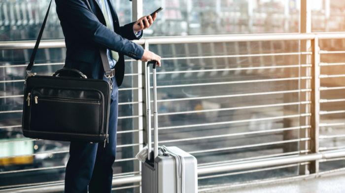 Mobiles Arbeiten bedeutet, dass dem Arbeitnehmer kein dauerhaft eingerichteter Arbeitsplatz zur Verfügung steht. © Shutterstock, FLUKY FLUKY