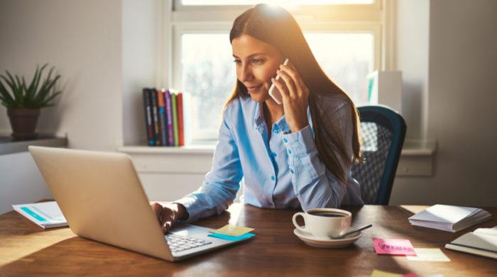 Arbeitgeber und Arbeitnehmer können sich auf die Nutzung privater Endgeräte einigen. © Shutterstock, Flamingo Images
