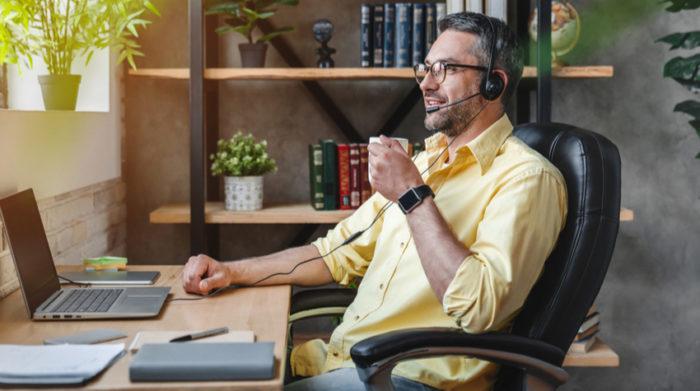 Arbeitgeber und Arbeitnehmer sollten auf einen passenden Arbeitsplatz im Homeoffice achten. © Shutterstock, Inside Creative House