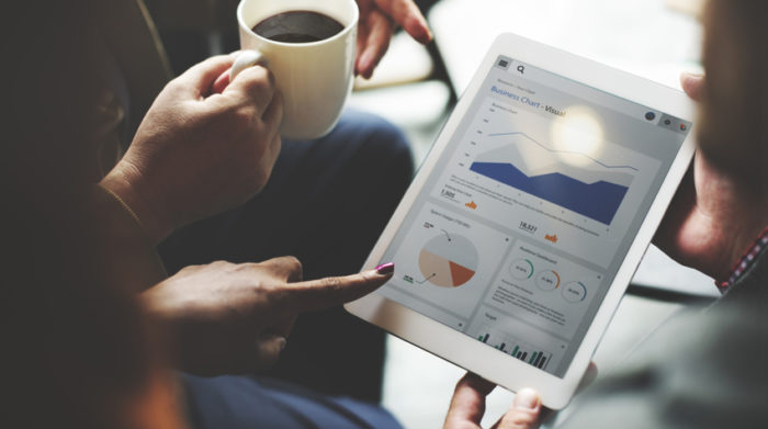 Eine statistische Auswertung hilft dir dabei, geeignete Maßnahmen gegen psychische Belastungen am Arbeitsplatz zu treffen. © Shutterstock, Rawpixel.com