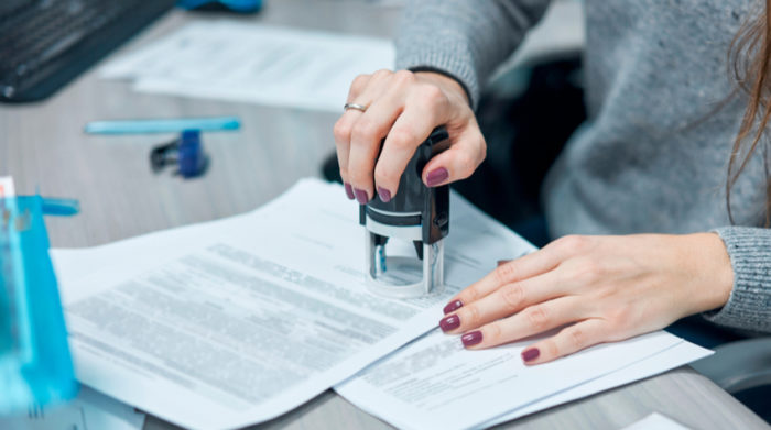 Bei einer Gewerbeanmeldung ist es notwendig, die Tätigkeit anzugeben, die über das Gewerbe ausgeübt werden soll. © Shutterstock, Aleksandr Lupin