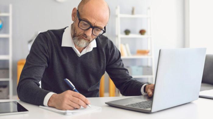 Hast du nicht mehr als 50 Mitarbeiter kannst du dich auch für die alternative Betreuung entscheiden. © Shutterstock, Studio Romantic