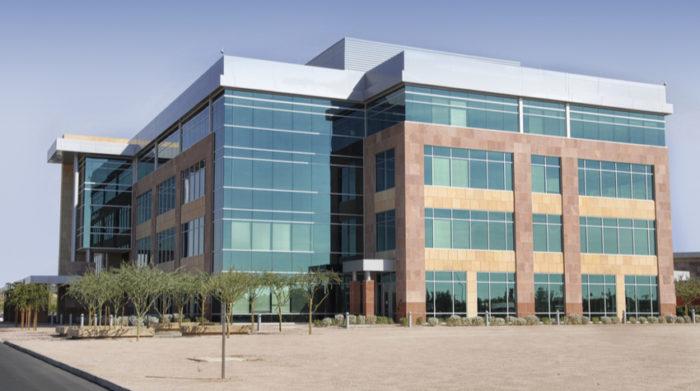 Betriebe mit mehr als 10 Mitarbeiter sind zu zweiteiliger Gesamtbetreuung verpflichtet. © Shutterstock, BCFC