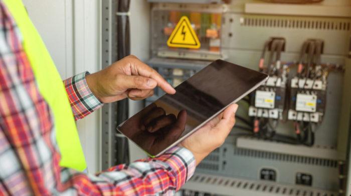 Ermessensspielräume sorgen dafür, dass arbeitsmedizinische und sicherheitstechnischen Betreuung auch digital möglich ist. © Shutterstock, Tong_stocker