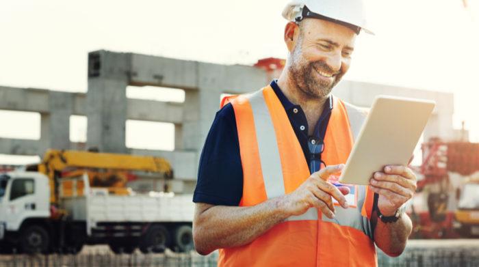 Mit unseren digitalen Leistungen sparst du Zeit und Geld. © Shutterstock, Rawpixel.com