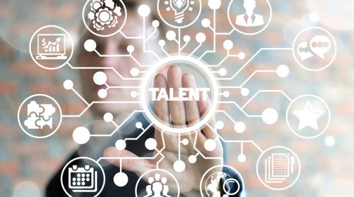 Um neue Talents zu erreichen, brauchst du gut durchdachte Recruiting-Maßnahmen. © Shutterstock, Panchenko Vladimir