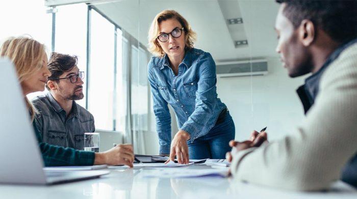 Hier werden Gleichstellungsbeauftragte gebraucht: Frauen werden auch im Jahr 2021 noch strukturell benachteiligt. © Shutterstock, Jacob Lund