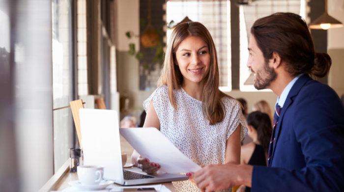 Selbständigkeit setzt voraus, dass keine weisungsgebundene oder abhängige Dienstleistung im Rahmen eines Arbeitsverhältnisses besteht. © Shutterstock, Monkey Business Images