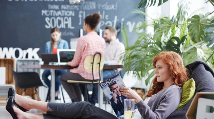 Gemeinschaftliches Arbeiten kann neue Ideen fördern und Mitarbeiter vernetzen. © Shutterstock Photographee.eu