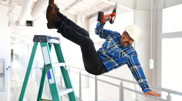 Arbeitsunfälle müssen vom Arbeitgeber gemeldet und dokumentiert werden. © Shutterstock, Gino Santa Maria